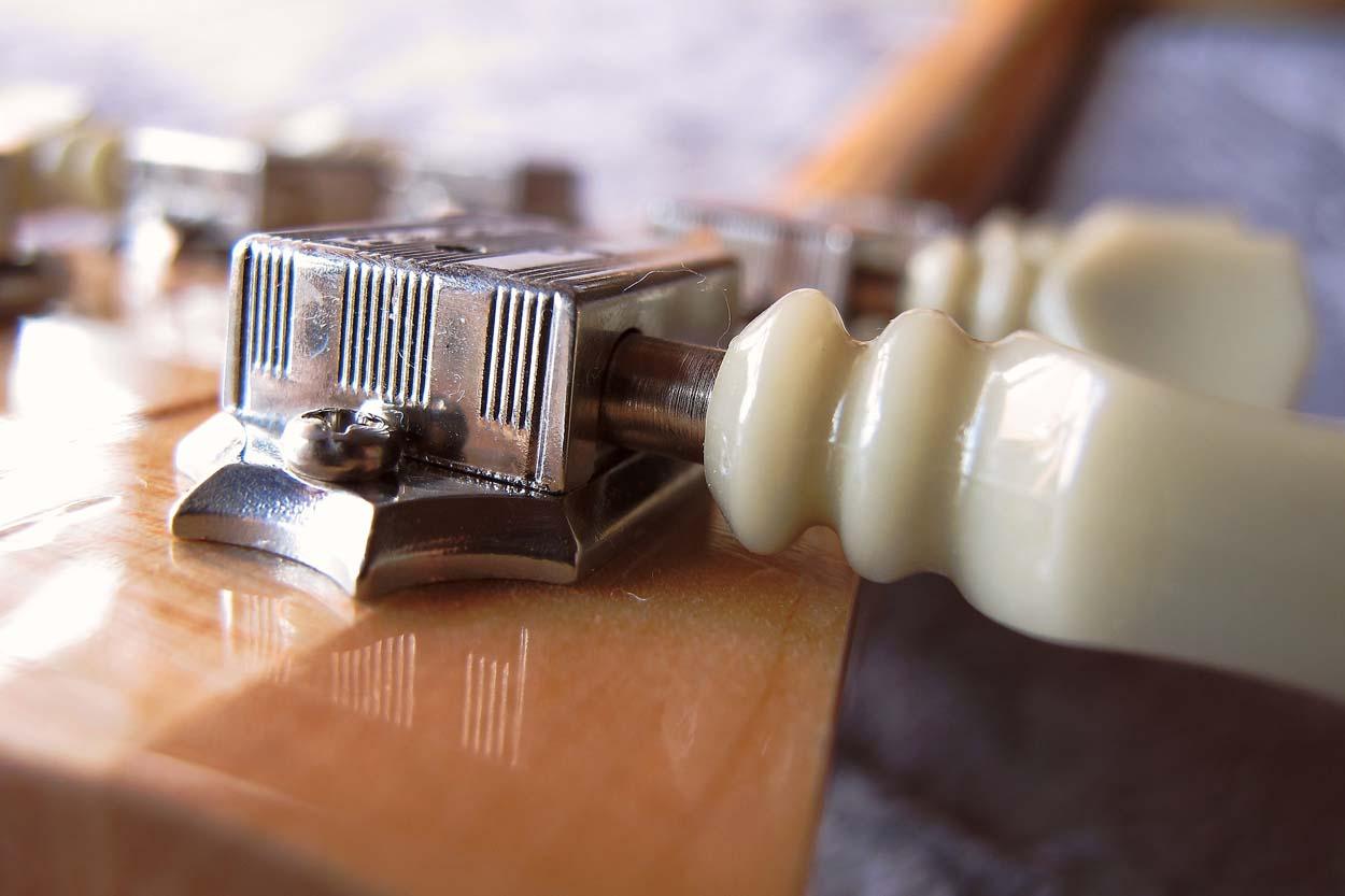 Gitarren und Bass Parts